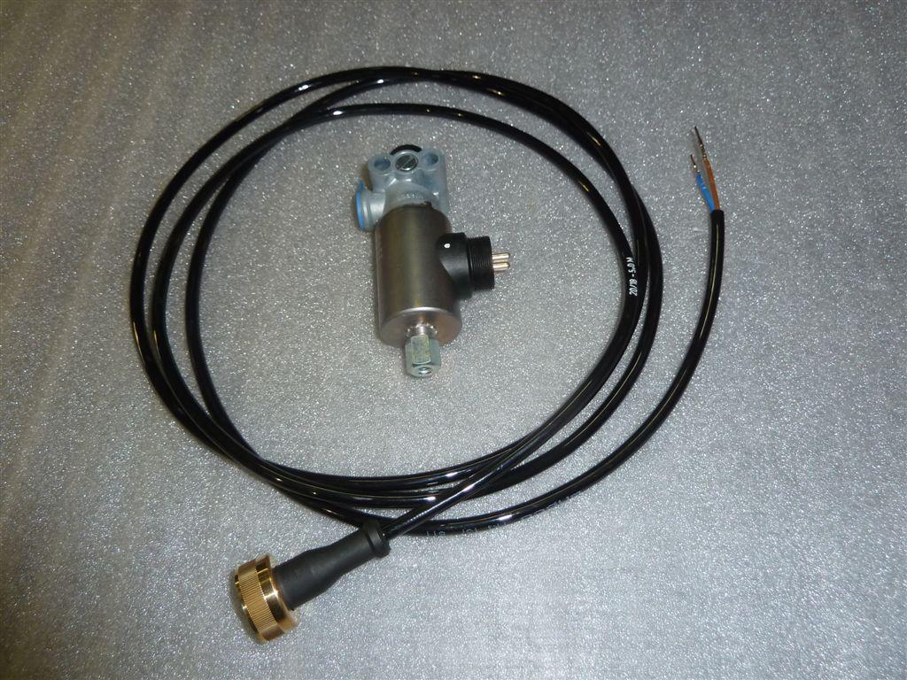 elettrovalvola-con-cablaggio-per-freno-stazionamento-rimorchio-2.jpg