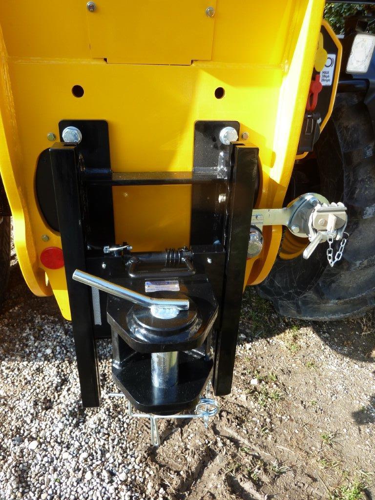 gancio-di-traino-per-trattore-cat-d3-a-posizionamento-rapido-slider-1.jpg
