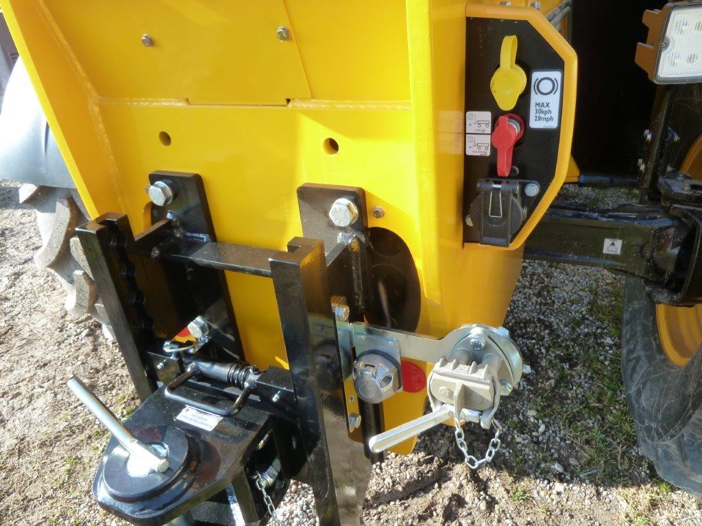 gancio-di-traino-per-trattore-cat-d3-a-posizionamento-rapido-slider-3.jpg