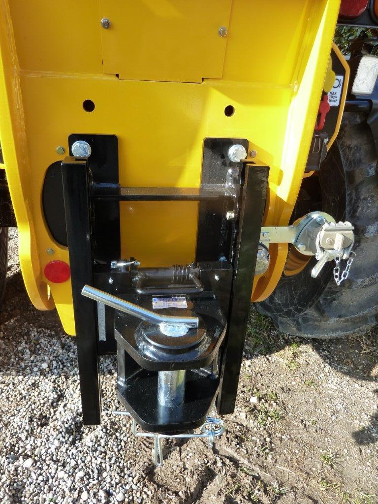gancio-di-traino-per-trattore-cat-d3-a-posizionamento-rapido-slider.jpg