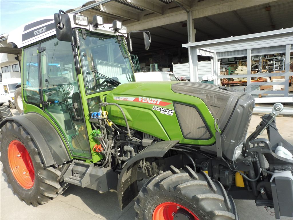 impianto-di-frenatura-idraulico-e-pneumatico-mother-regulation-per-fendt-211v-vario2.jpg