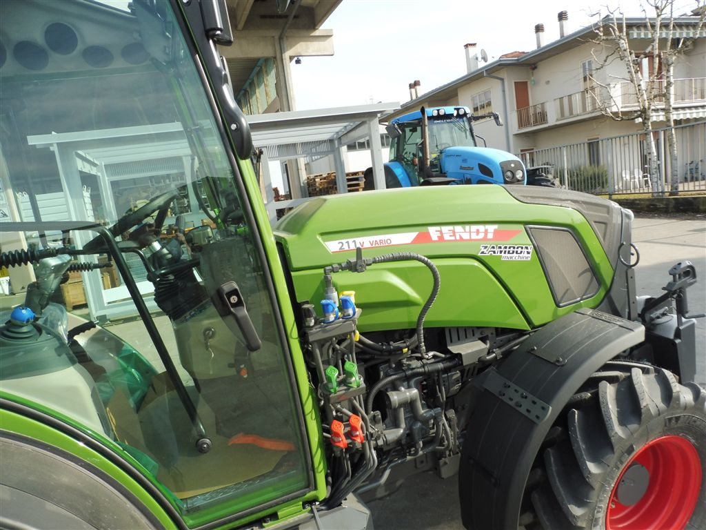 impianto-di-frenatura-idraulico-e-pneumatico-mother-regulation-per-fendt-211v-vario3.jpg