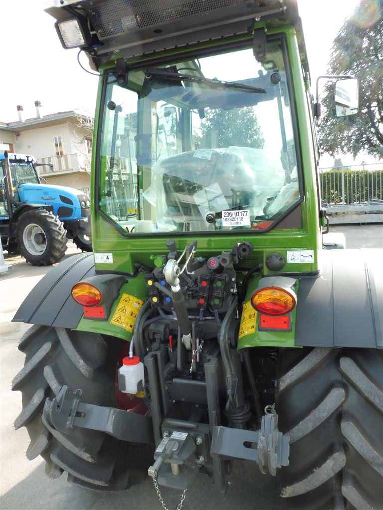 impianto-di-frenatura-idraulico-e-pneumatico-mother-regulation-per-fendt-211v-vario5.jpg
