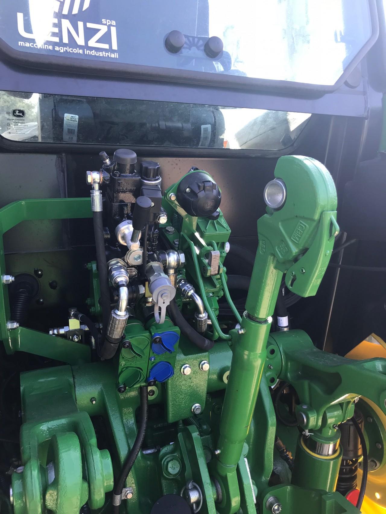 impianto-frenatura-idraulico-modello-john-deere-5115r-1.jpg