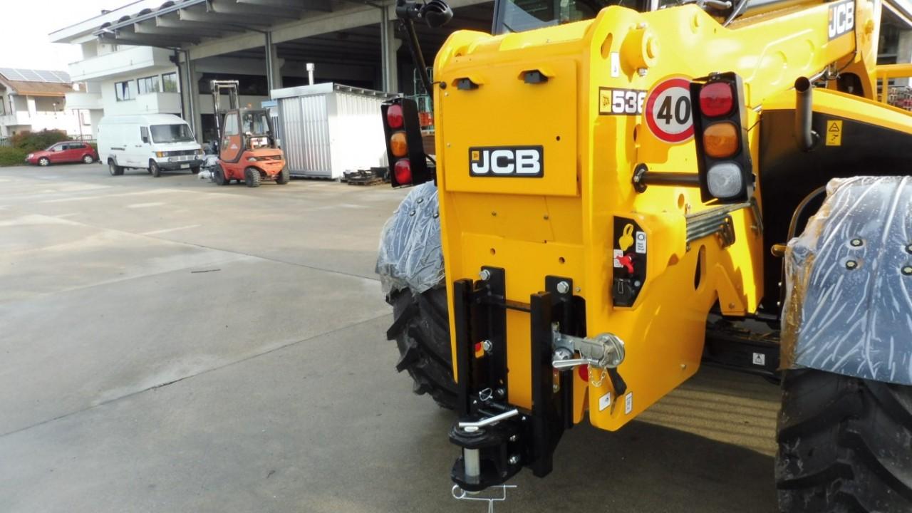 jcb-536-95-agrisuper-con-braccio-telescopico-mother-regulation-3.jpeg