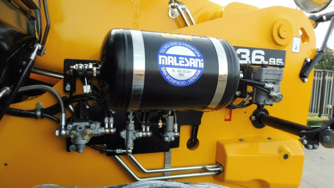 jcb-536-95-agrisuper-con-braccio-telescopico-mother-regulation-4.jpeg