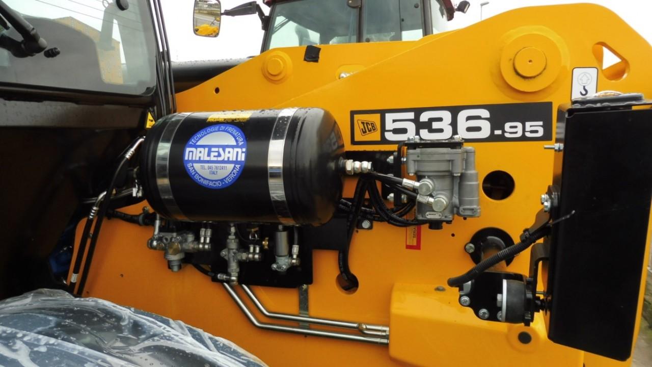 jcb-536-95-agrisuper-con-braccio-telescopico-mother-regulation-7.jpeg