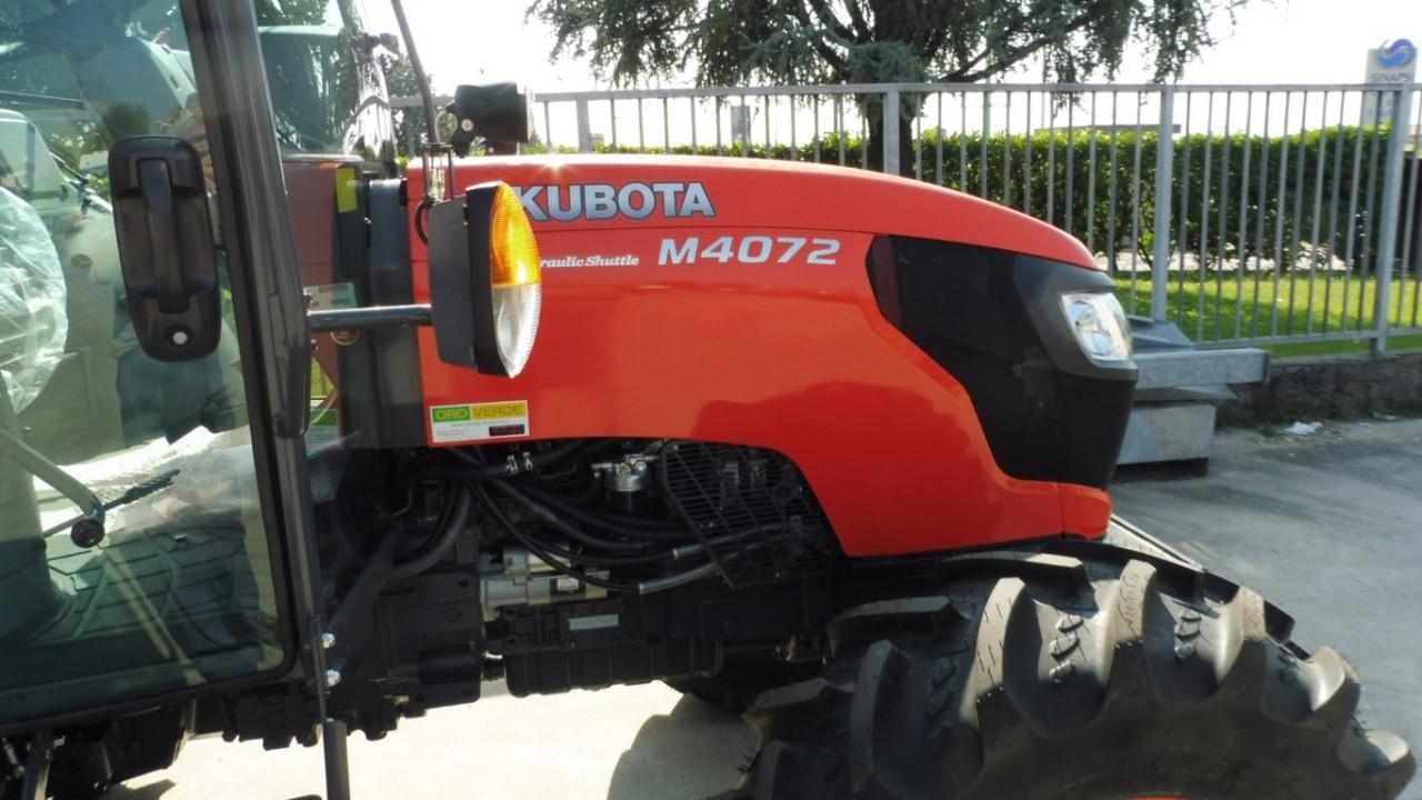 kubota-m-4072-hydraulich-shuttel-2.jpeg