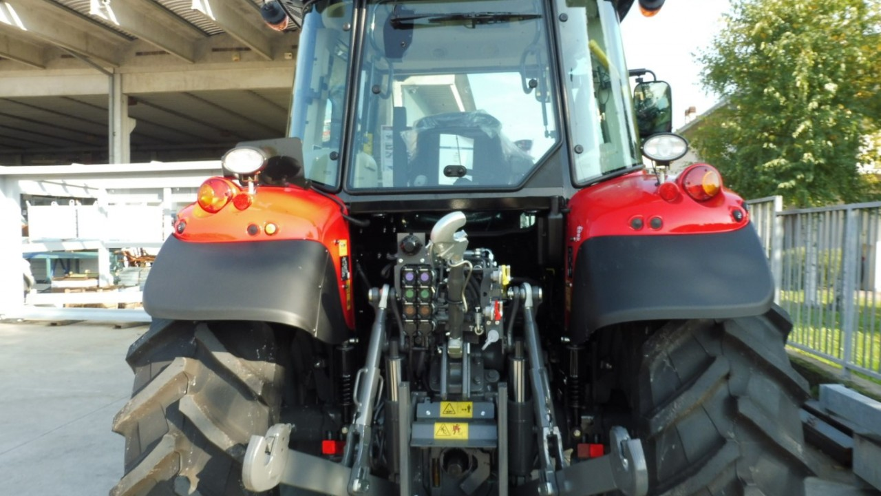 massey-ferguson-5712-s-dyna-6-mother-regulation-3.jpeg
