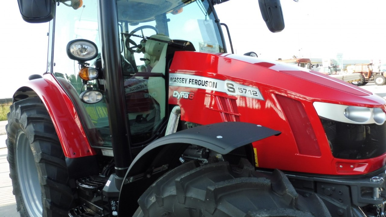 massey-ferguson-5712-s-dyna-6-mother-regulation.jpeg