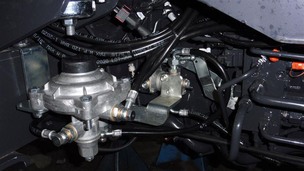 mc-cormick-t-115-max-rs-23-4.jpg
