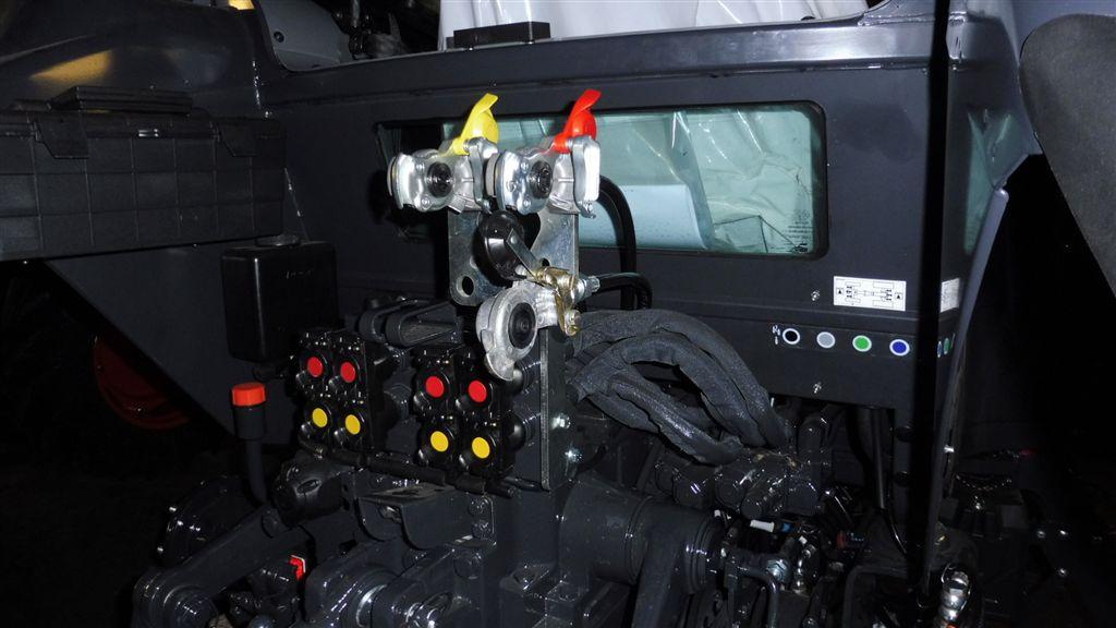 mc-cormick-t-115-max-rs-23-8.jpg