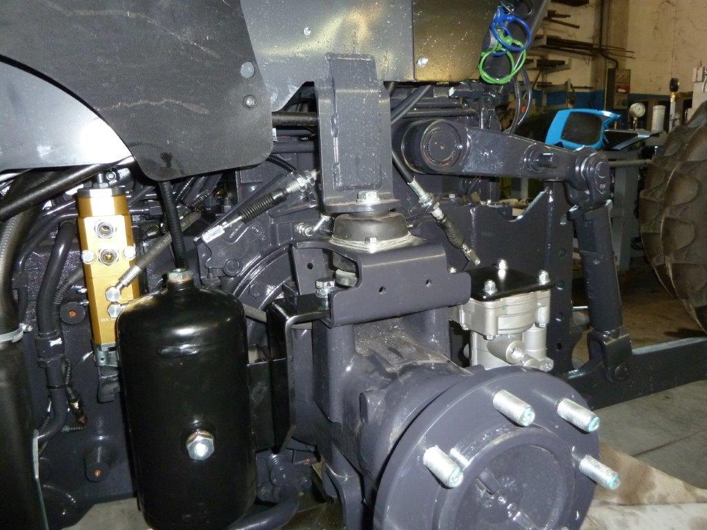 vista-dei-particolari-installati-su-landini-serie-4-frutteto-6.jpg